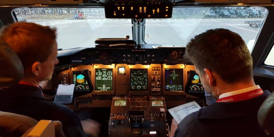 MyQ400,com - The Cockpit Project - Panels